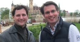 Die Neu-Schweriner Priv. Doz. Dr. Jens Nürnberger (li.) und Prof. Dr. Alexander Staudt sind seit 1. Juni als Chefärzte in den HELIOS Kliniken Schwerin tätig.
